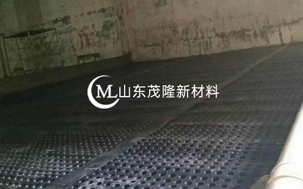 《青岛地铁1号线停车场》土工布、排水板施工