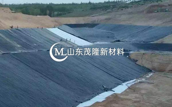 《青海市循化县垃圾填埋场》防水毯、土工膜施工