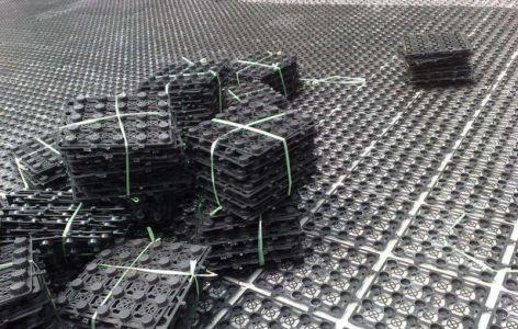 排水板在不同斜度的基底上有不同排水量的原因