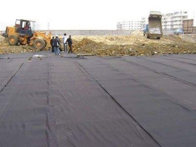 凹凸型排水板铺设施工方法